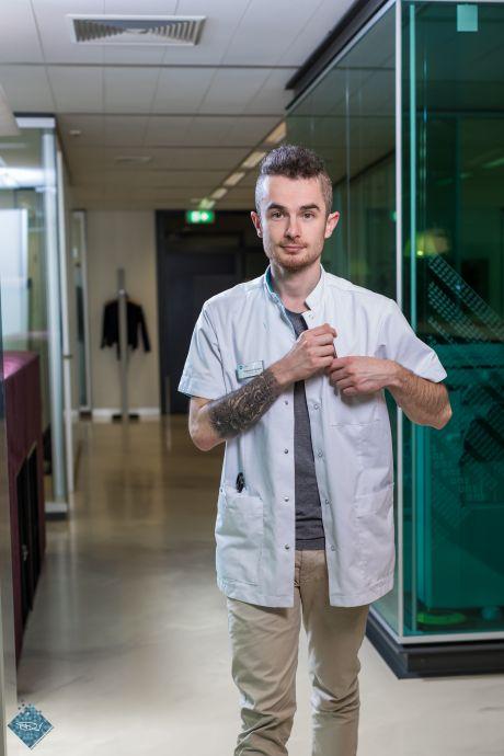 Helmondse zorgblogger Tommie krijgt volle laag met #ikdoewelmee: 'BN'ers: loop eens een dag met mij mee'