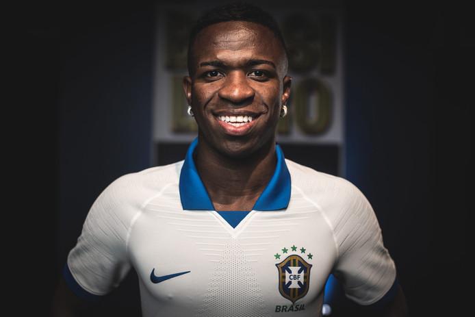 Vinícius Júnior in het shirt van Brazilië.