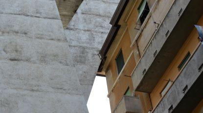 Tonen deze foto's oorzaak van ramp in Genua? Steunpilaar lijkt deels weggekapt om rond gebouw te passen