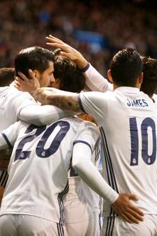 Real met sterke overwinning bij Deportivo weer langszij bij Barça