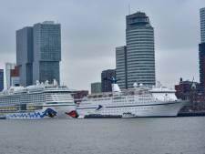 Cruiseschepen Oceana en Magellan op weg naar Rotterdam