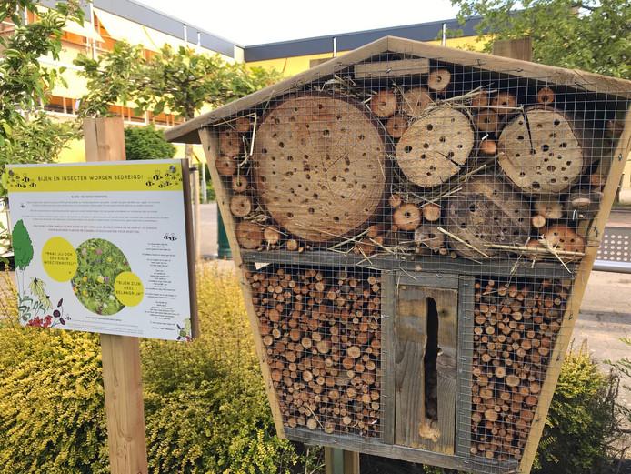 Een voorbeeld van een insectenhotel. Kinderen in Meierijstad willen ook zo'n insectenhotel op hun school.