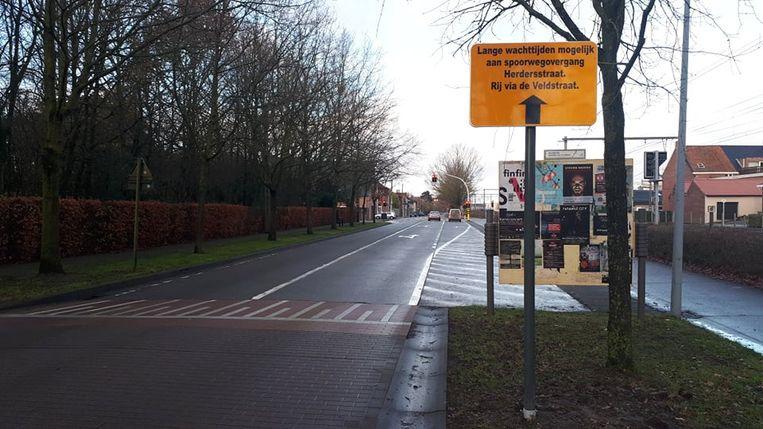 Ook langs de Guido Gezellelaan werd een bord gezet.
