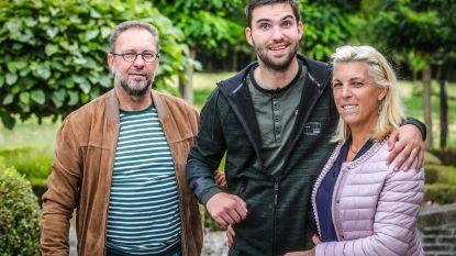 """Ouders organiseren benefiet voor revalidatie van Jannes (27): """"Hij is altijd goedgezind, dus wie zijn wij om op te geven?"""