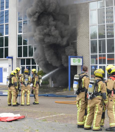Grote brand bij bedrijfspanden in Rijswijk na vijf uur onder controle