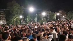 """Sophie Wilmès wijst jongeren op hun verantwoordelijkheid: """"Grote bijeenkomsten en feesten na sluitingstijd is gevaarlijk gedrag"""""""