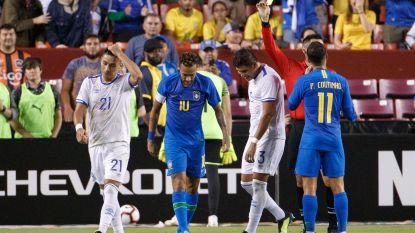 Neymar zit Ronaldo op de hielen, pakt uit met hattrick aan assists en krijgt alsnog geel van WK-ref voor fopduik