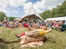 Kamperen op festivalterrein EEF van de baan; buurman biedt uitkomst