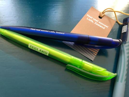 De pen die uitgedeeld wordt aan leerlingen.