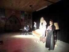 Toneelgroep Entree speelt 'Verliezers' in Sleeuwijk