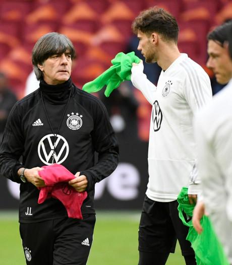 Duitsland met aanvoerder Neuer en 'onmisbare' Kroos tegen Oranje