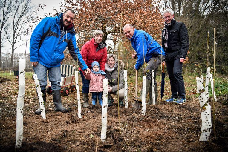 Naast geboortebomen zullen er in Zele voortaan ook herinneringsboompjes uitgedeeld worden ter nagedachtenis aan levenloos geboren kindjes.