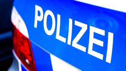 Duitse politiewagens knallen op elkaar op snelweg: acht agenten gewond