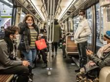 Frans corona-advies: niet meer praten of bellen in openbaar vervoer