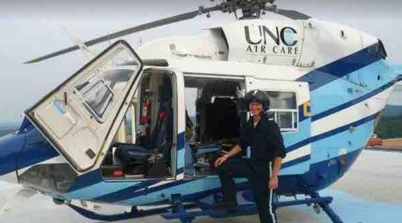 Johnny als helikopterverpleegkundige.