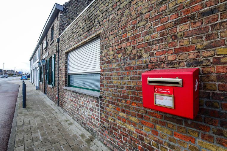 De komende vijf maanden zal Bpost het aantal rode brievenbussen afbouwen.