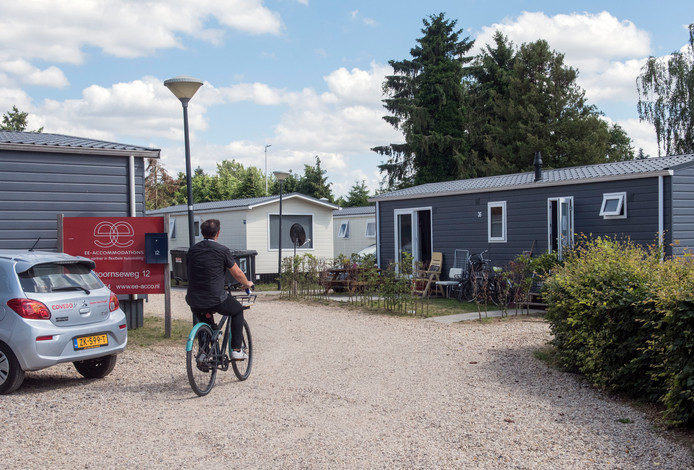 Aan de Kolthoornseweg 12 in Putten is nu een opvang voor 150 arbeidsmigranten. Toekomstige opvanglocaties mogen maximaal 100 mensen herbergen.