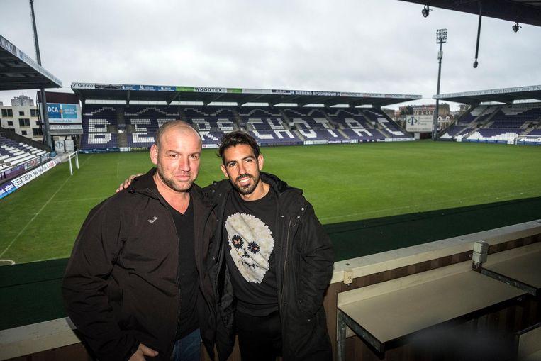 Seba Rodriguez (ex-materiaalman Beerschot) en Beerschotspeler Hernan Losada.