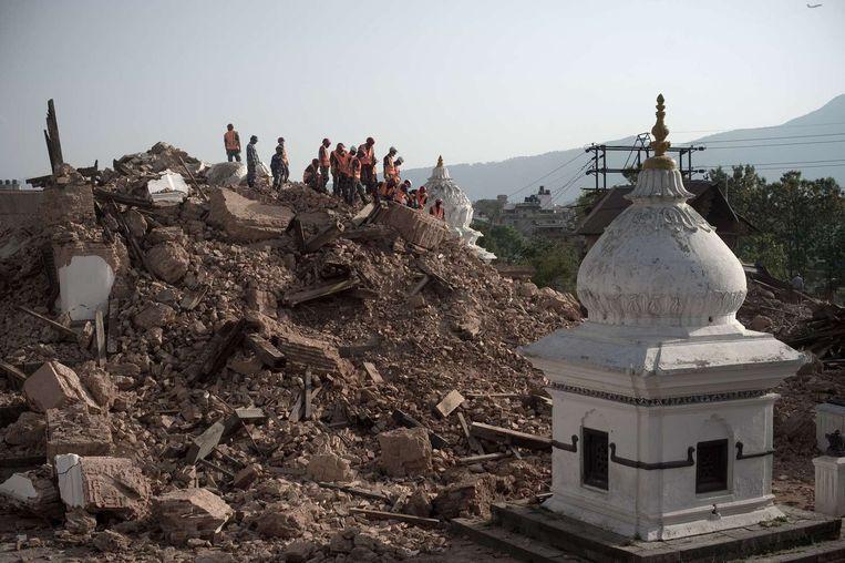 Een verwoeste tempel in Kathmandu. Beeld afp
