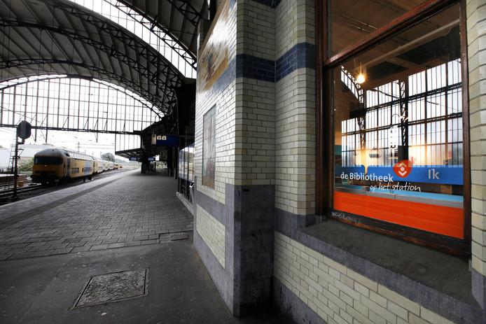 De bibliotheek op station Haarlem.