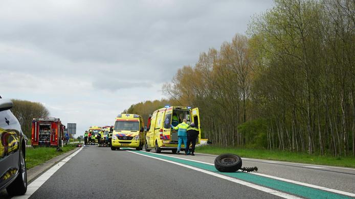 Hulpverlening na een dodelijk ongeval op de Maas en Waalweg bij Puijflijk eerder dit jaar.