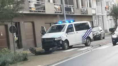 Politiecombi botst met personenwagen op weg naar interventie voor loslopende koe