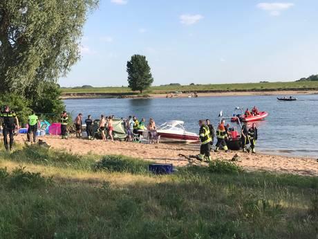 Rooi Pannen Eindhoven herdenkt Levi Thoonen (14) die omkwam bij jetski-ongeluk in Well