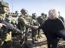 Hennis: Miljard euro extra voor Defensie onvoldoende