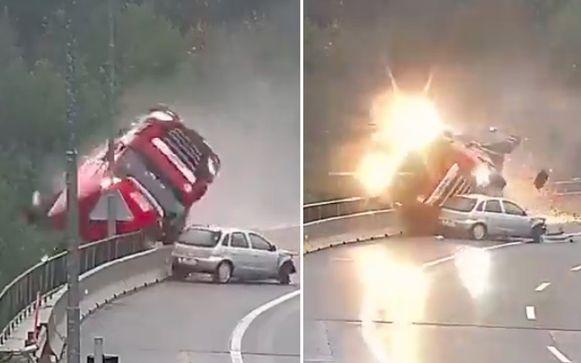 Nadat hij in een bocht werd aangereden door een Opel Corsa, kantelde de truck de dieperik in.