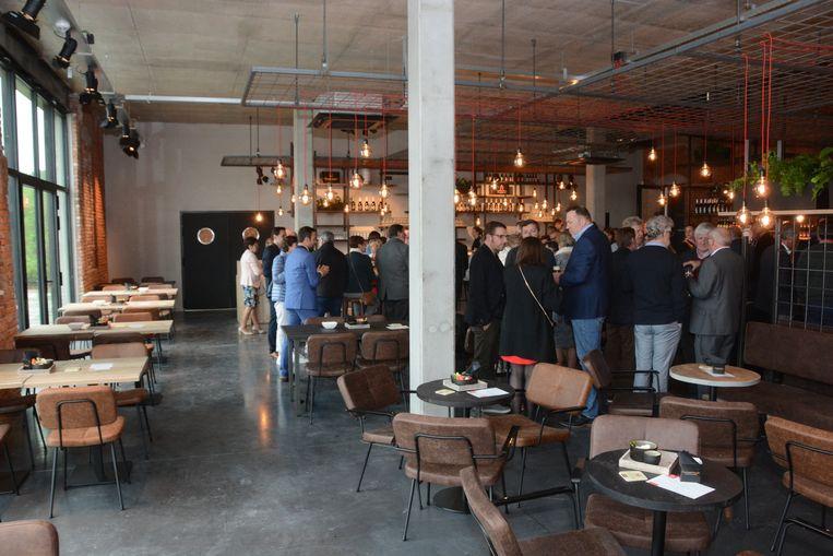 De oude steenbakkerij werd omgetoverd tot een fraai brouwerijcafé.