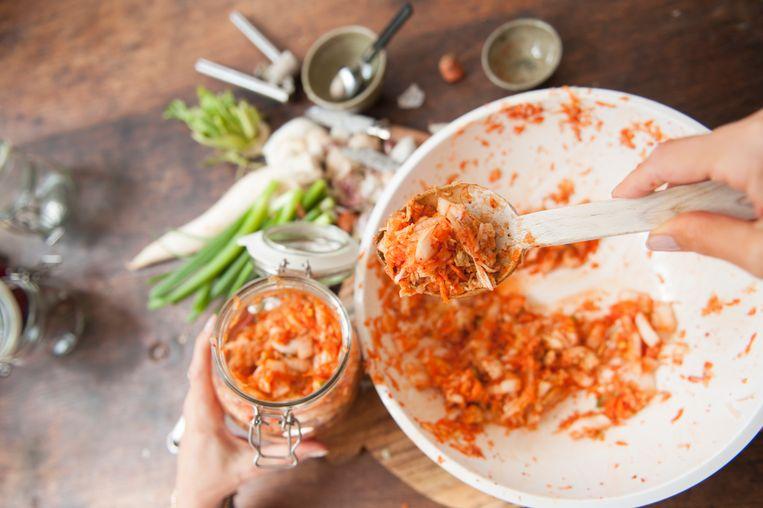 Foto van kimchi ter illustratie.
