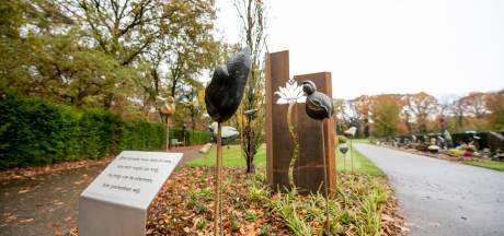 Monument overleden kinderen officieel onthuld in Nijverdal