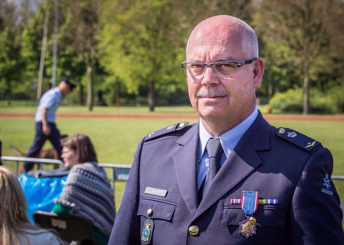 Adjudant Willy Stevens van het Defensie Expertise Centrum Diensthonden