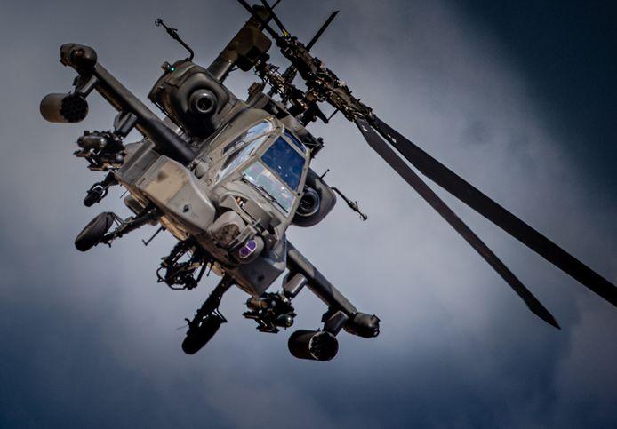 Apache helikopters van Defensie oefenen in Nederland, archieffoto ter illustratie.
