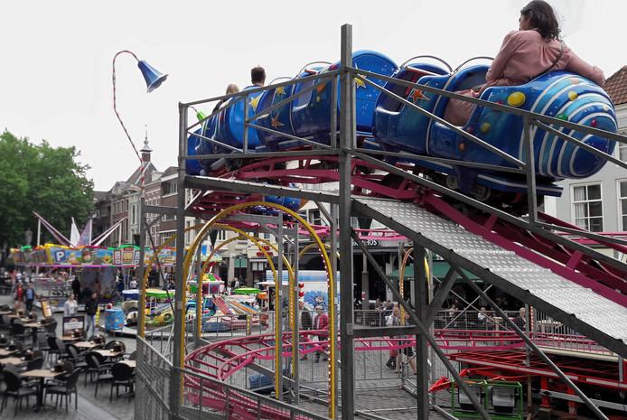 De kermis op de Grote Markt in Breda