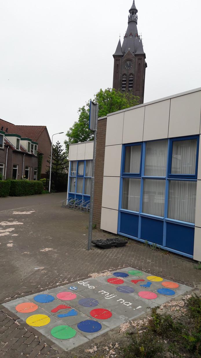 Bij wijkcentrum Triangel in de Terneuzense binnenstad is al een plakspel aangebracht.