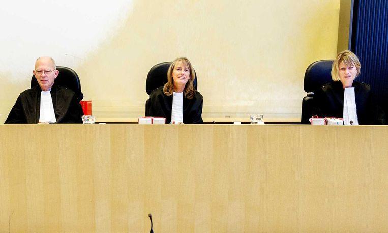 De rechters voorafgaand aan de tussentijdse zitting in de zaak tegen drie mannen die worden verdacht van de moord op Willem Endstra. Beeld anp