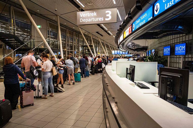 Eventuele acties bij AFS hadden voor verstoring kunnen zorgen op Schiphol, aangezien zij verantwoordelijk is voor de distributie van kerosine op de luchthaven. Beeld Ramon van Flymen