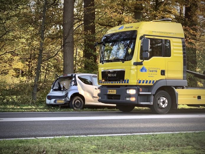 De personenauto raakte flink beschadigd