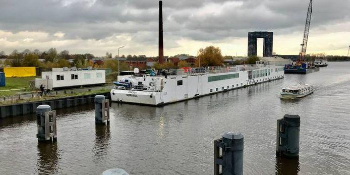 Een boot die vorig jaar gebruikt werd voor de opvang van asielzoekers.