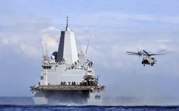 Het transportschip USS Mesa Verde, met 550 mariniers aan boord, is ook richting de Golf gestuurd. Beeld reuters