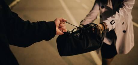 Gewapende beroving in Eindhoven door twee mannen op een Vespa