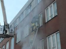 Brandweer redt bewoners uit brandend huis