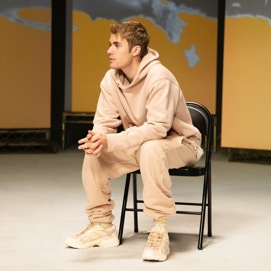 Justin Bieber s'associe à une marque de déodorant et milite pour la vie au présent.