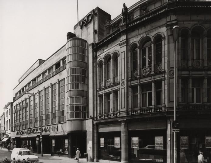 V&D op de Stadhuisbrug in 1973.