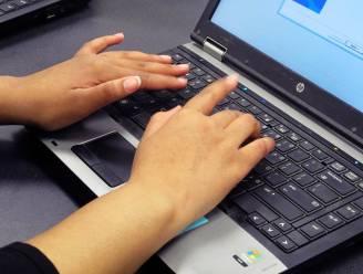 Kwetsbare inwoners krijgen digicheques voor thuishulp bij gebruik van computer of smartphone