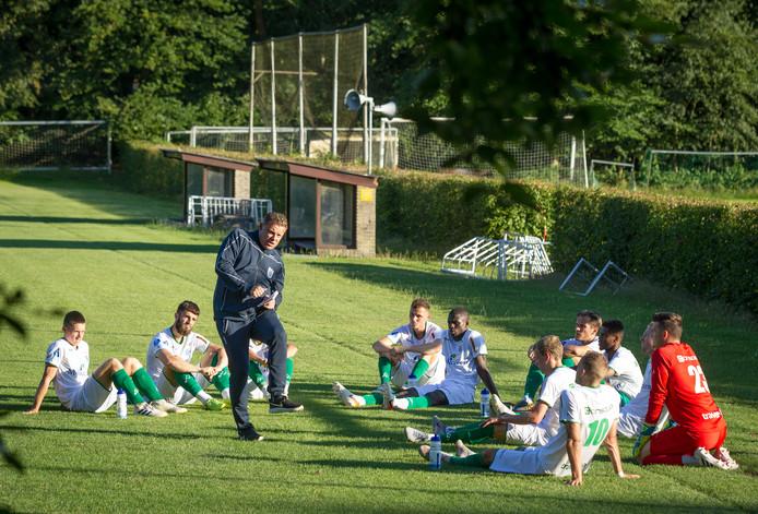PEC Zwolle gaat niet op 5 september maar in de zomer van 2020 oefenen tegen stadgenoot Zwolsche Boys, die vorig jaar het 100-jarige jubileum vierde.