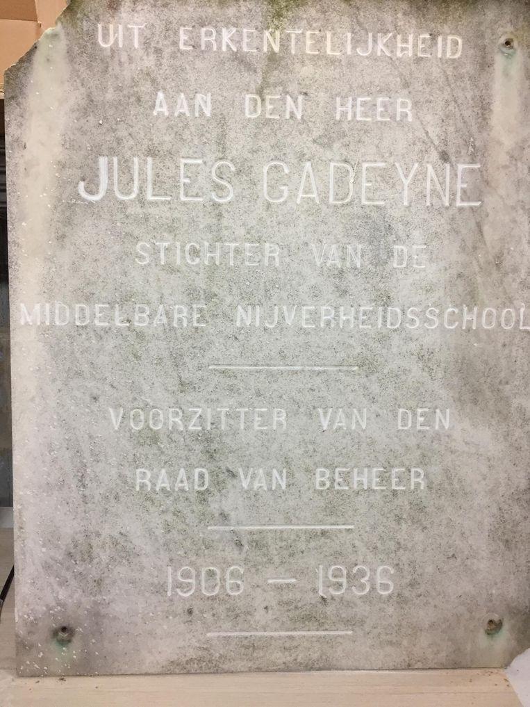 De gedenkplaat uit 1936.