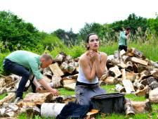 Opvoering 'Jeanne' in de tuin van regisseuse uit Mierlo