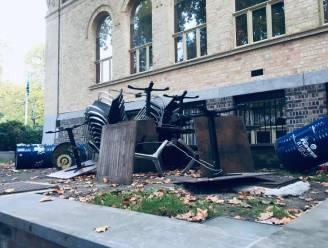 Dubbele pech voor restaurant Mub'art: vandalen gooien terras overhoop net voor verplichte sluiting